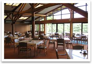 笹井コースの旧クラブハウス食堂